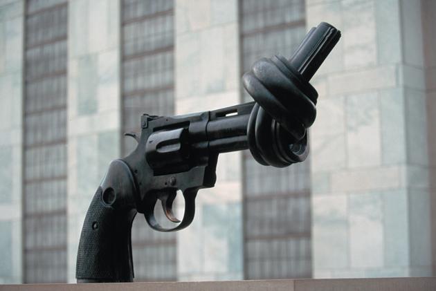 Carl Fredrik Reutersward: Non-violence, 1985, United Nations Plaza, New York City