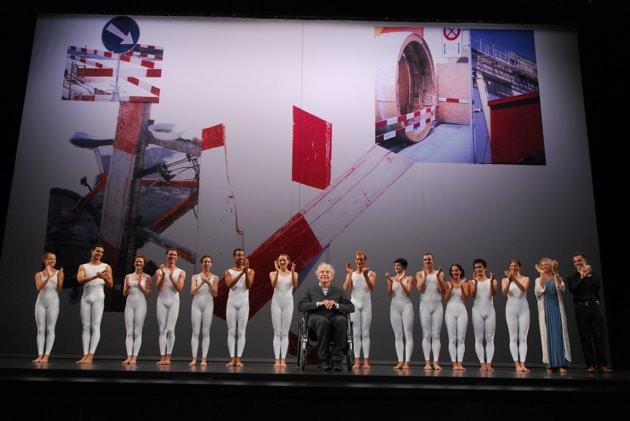 Cunningham with dancers.jpg