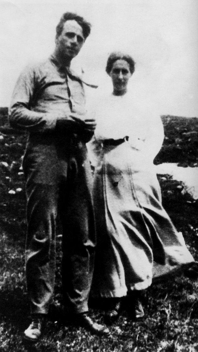 Robert Frost and his wife, Elinor, in Plymouth, New Hampshire, 1911
