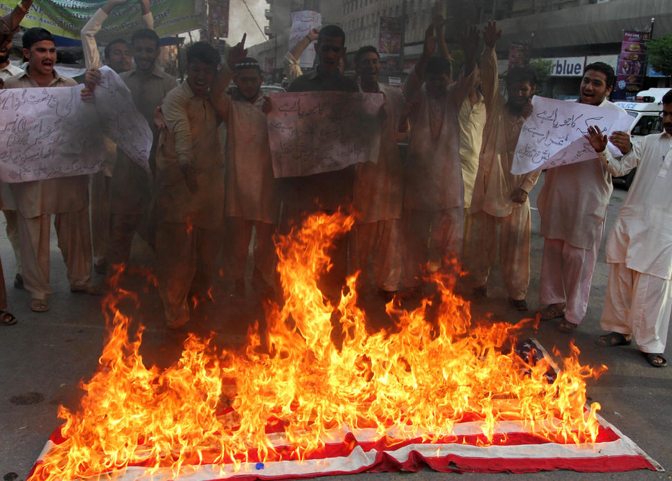 Supporters of the Islamic group Jamaat Ahle Sunnat protesting an anti-Islam YouTube video, Karachi, Pakistan, September 19, 2012