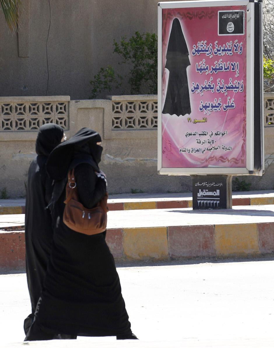 niqab Raqqa.jpg