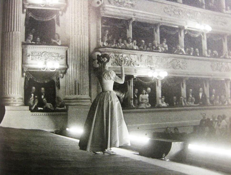 Callas stage.jpg