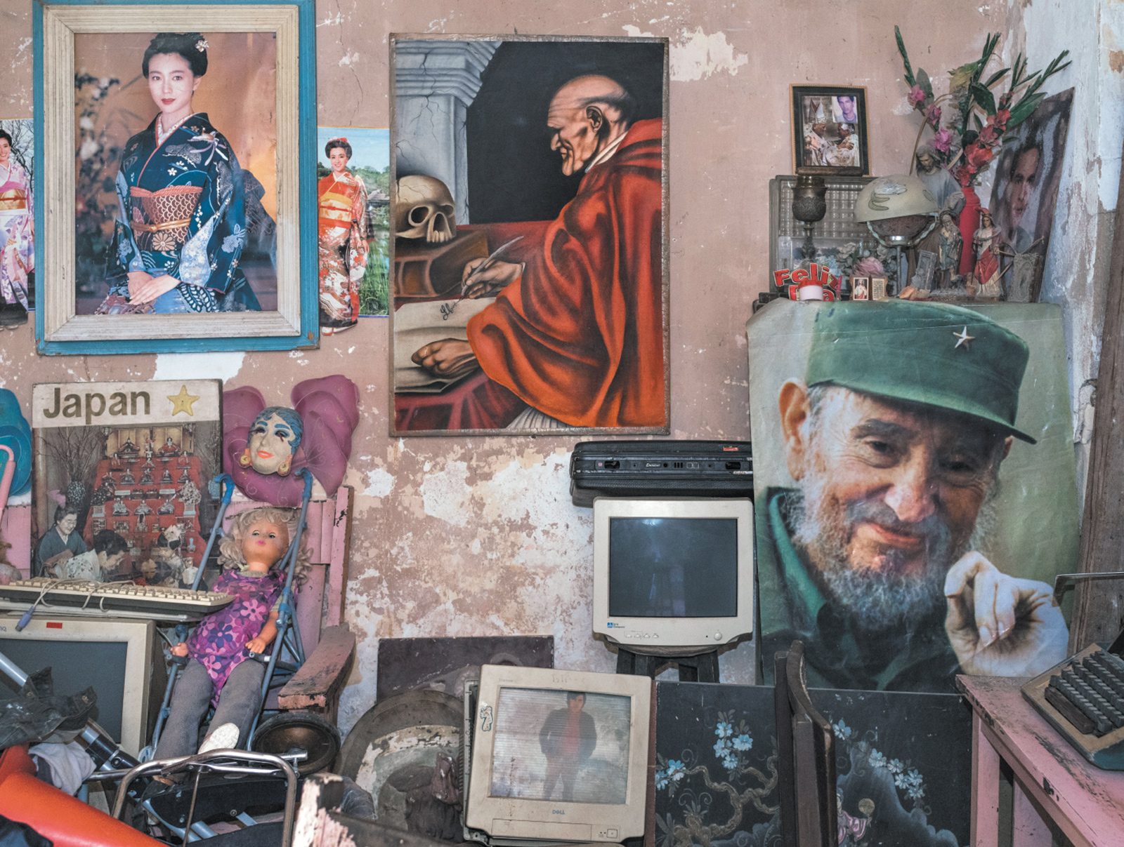 A living room in Havana with a poster of Fidel Castro at right, 2015; photograph by Carl De Keyzer from his book Cuba, La Lucha, which includes an essay by Gabriela Salgado and has just been published by Lannoo. His photographs are on view at the Roberto Polo Gallery, Brussels, through May 15.