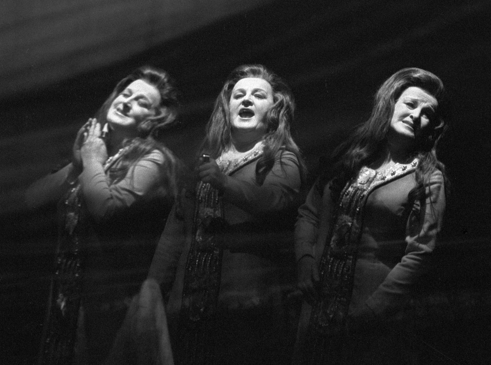 Birgit Nilsson as Brünnhilde in the Metropolitan Opera's production of Richard Wagner's Götterdämmerung, March 1974