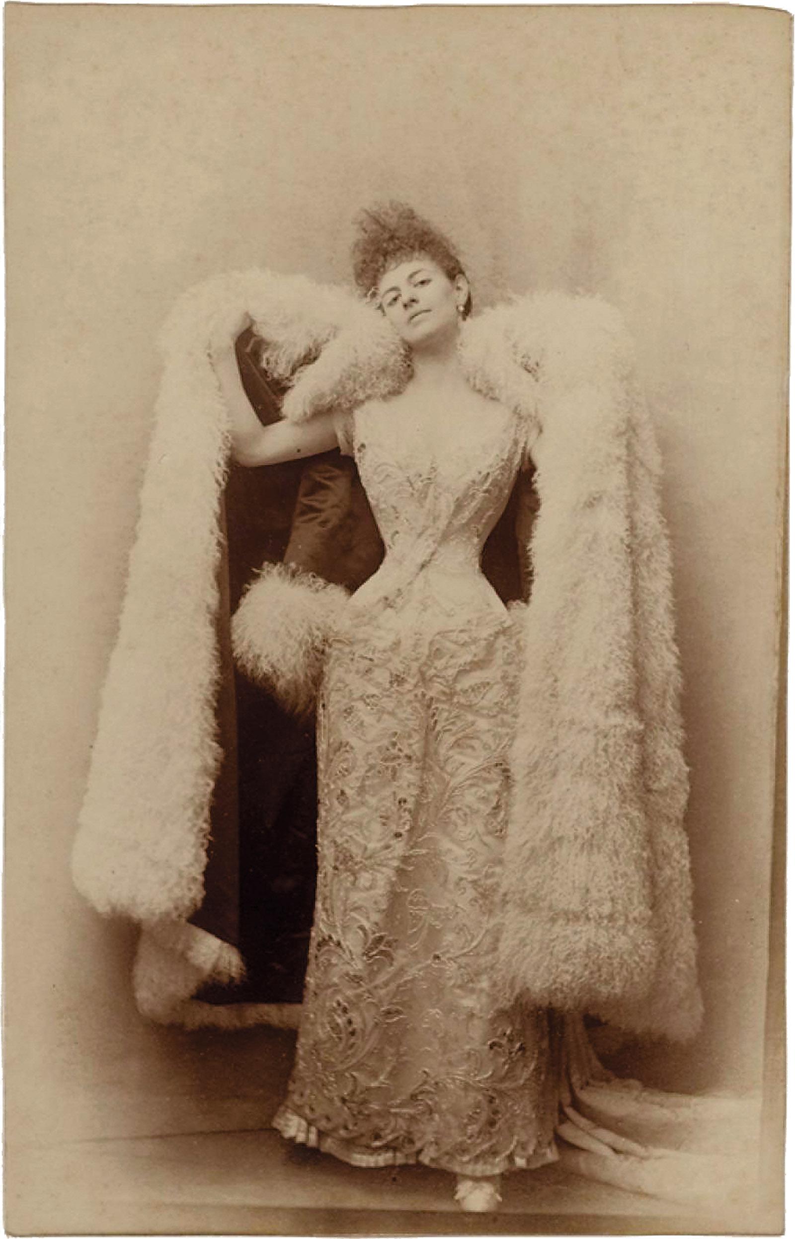 Élisabeth Greffulhe in her 'swan' persona; photograph by Otto Wegener, circa 1887