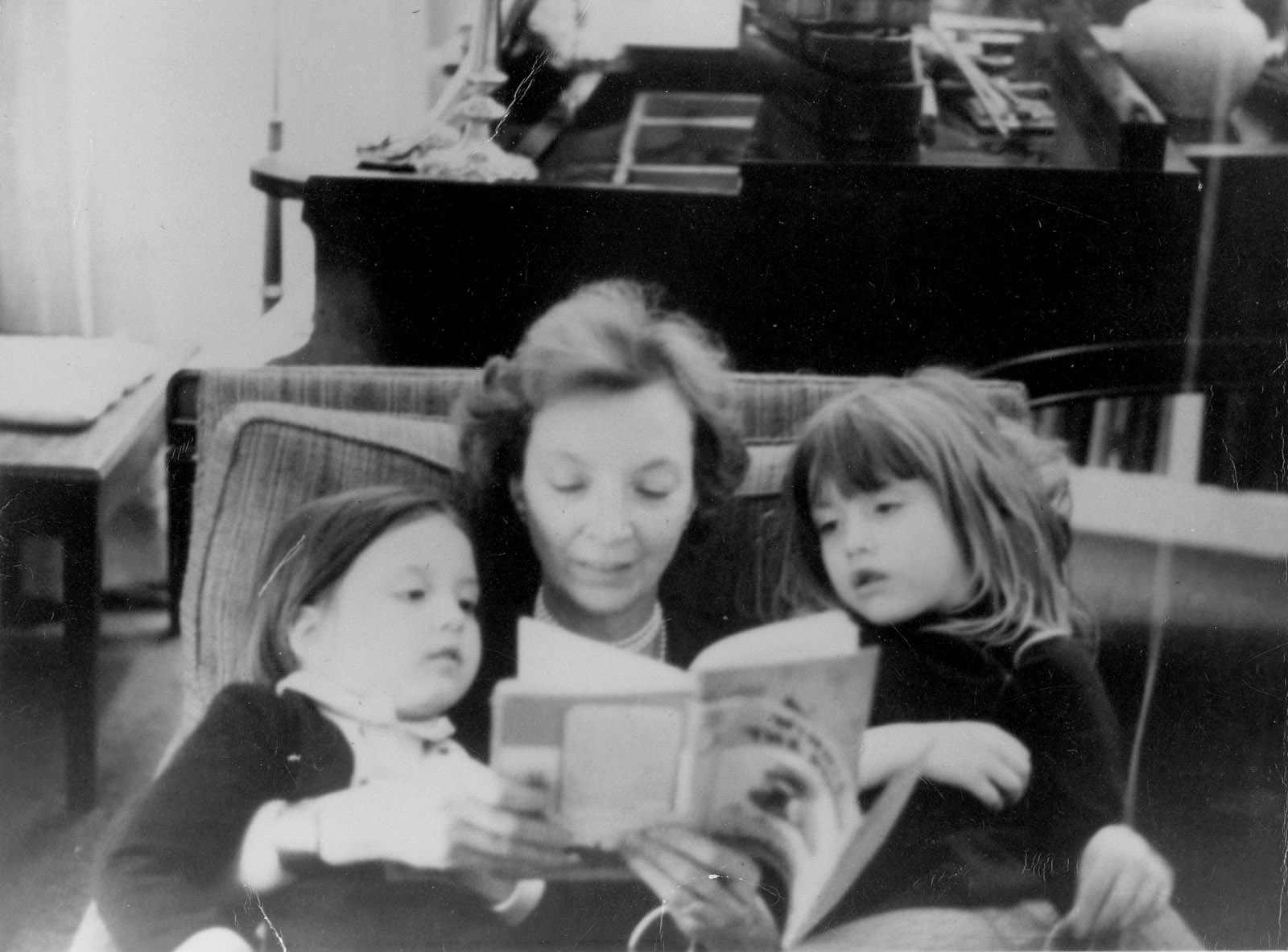 Madeleine L'Engle with her granddaughters Charlotte and Lena, circa 1973