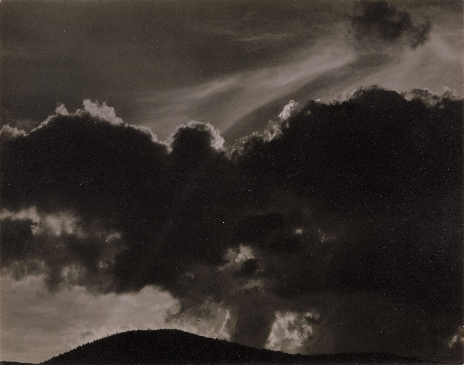 Alfred Stieglitz: Songs of the Sky, 1924