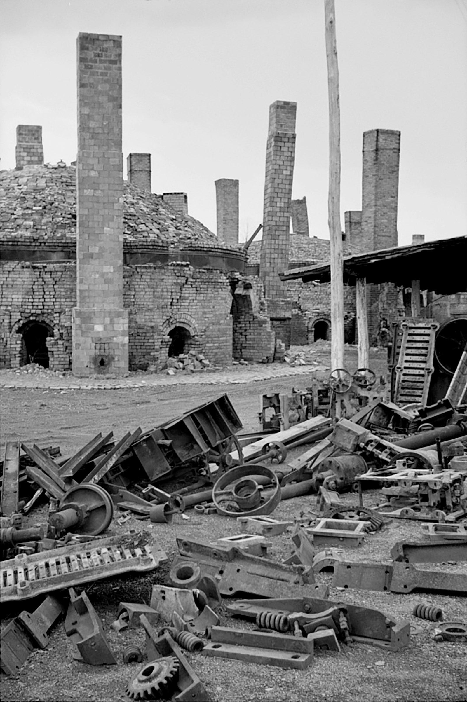 An abandoned brick factory, Ohio, 1936