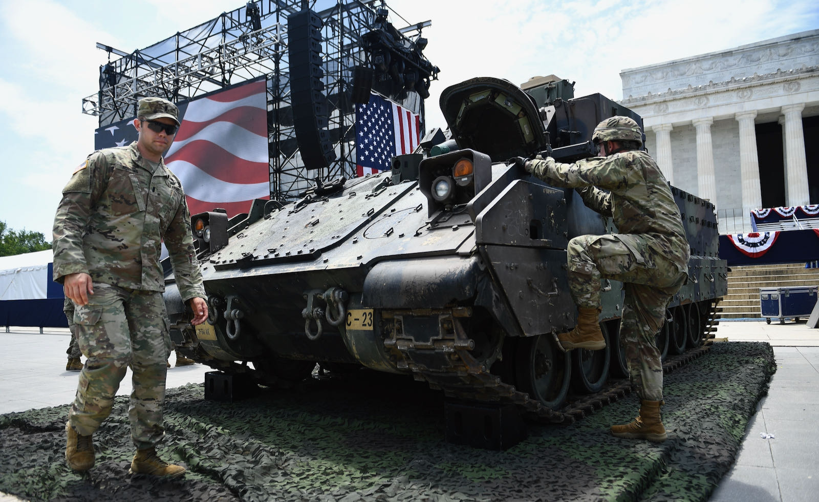 A Bradley Fighting Vehicle parked in front of the Lincoln Memorial
